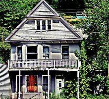 Keystone Inn  by Paul Lubaczewski