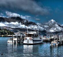 Lake Wakatipu, Queenstown, New Zealand by Paulawly