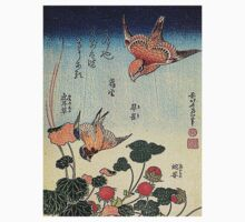 'Wild Strawberries and Birds' by Katsushika Hokusai (Reproduction)  T-Shirt