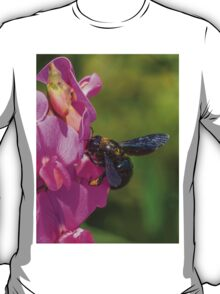 Giant bee T-Shirt