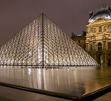 The Louvre by Radek Hofman