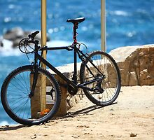 Padlocked bicycle by mrivserg