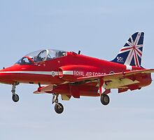 Red Arrows Farnborough Airshow by Keith Larby