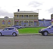 Queenscliffe Family Hotel, Kingscote, Kangaroo Island by Margaret  Hyde