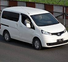 white colored nissan evalia by bayu harsa