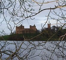 Linlithgow palace and loch by Lesleymc77