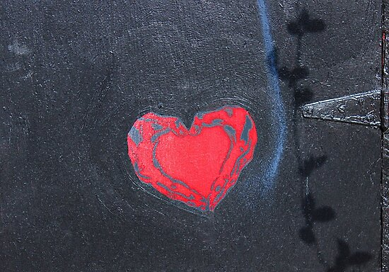 Red Heart on Black © by Ethna Gillespie