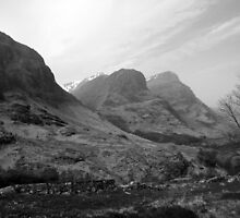 Three Sisters of Glencoe, Scotland, UK by Linda More