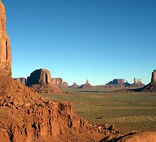 Monument Valley by Graeme  Hyde