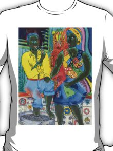 After the work, an Afro-American couple enjoying the evening T-Shirt