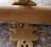 Cute food, gingerbread man by littlegreennote