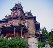 Phantom Manor (Disneyland Paris) by ThatDisneyLover