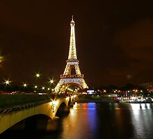 PARIS BY nIGHT by samandoliver