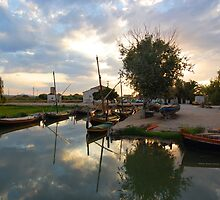 Sunset at Silla port by jotagphoto