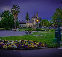 Springtime at Roslyn Park and Old Town Hall, Bendigo by Steven Jodoin