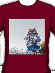 It's a small world  T-Shirt