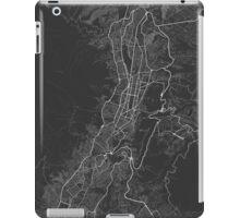Quito, Ecuador Map. (White on black) iPad Case/Skin