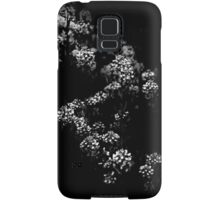 Backyard Flowers In Black And White 33 Samsung Galaxy Case/Skin