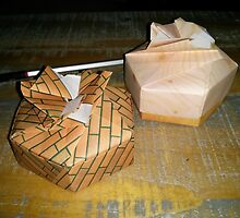 Origami and hexagonal boxes by MarJoLi