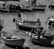 St. Ives harbour, Cornwall, UK by bennoarts