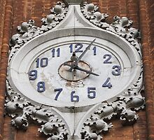 clock on the steeple by spetenfia