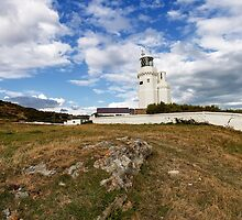 St Catherines Lighthouse by manateevoyager