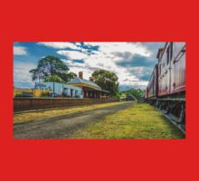 Maldon Station in Springtime - Large Print Size Kids Clothes