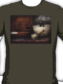 Apothecary - Pestle & Drawers T-Shirt