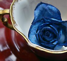 Hammersley Bone China Tea Cup and Saucer with a blue rose ~ England by ARTificiaLondon
