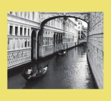 Passing under the Bridge of Sighs Kids Clothes