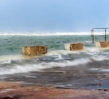 Newcastle Ocean Baths by tismeau