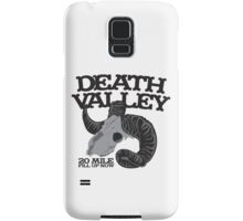 Death Valley  20 mile fill up now road sign with goat skull Samsung Galaxy Case/Skin