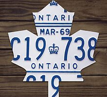 Toronto Maple Leafs Hockey License Plate Art - Dark Walnut by Route401