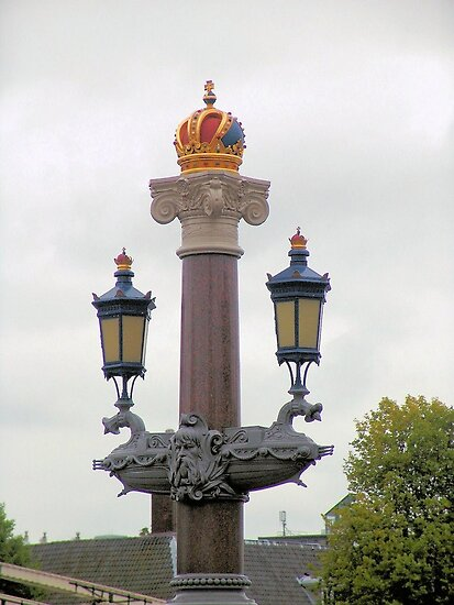 Royality - House of Orange Lamp by Francis Drake