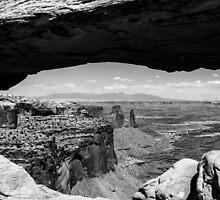Mesa Arch by Radek Hofman