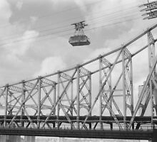 Roosevelt Island Tram in New York City by dearmoon