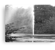 FOUNTAIN IN BLACK AND WHITE Canvas Print