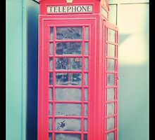 London Phone Booth by reclaimedforyou