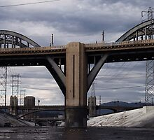 6th St Viaduct. by Santamariaa