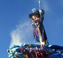 Mickey at the Disneyland Parade by Erin Mason