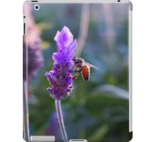 Smelling-bee iPad Case/Skin