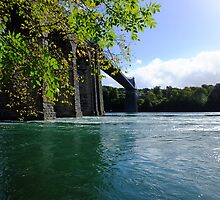 Menai Bridge by Johindes
