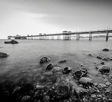 Llandudno Peir Bw by Darren Wilkes