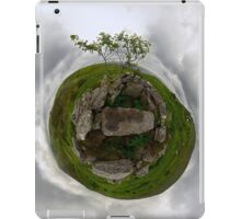 Tomb: Croaghbeg Court Tomb, Shalwy Valley, Donegal iPad Case/Skin