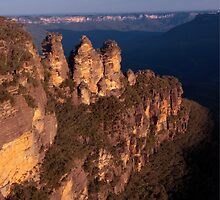 Three Sisters at sunset, Blue Mountains, Australia by Erik Schlogl