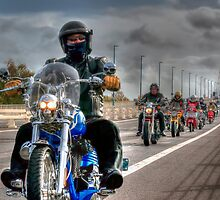 Hoggin the Bridge 2013 by © Steve H Clark