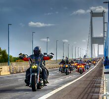2013 Hoggin the Bridge by © Steve H Clark