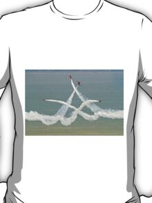 The Red Arrows - Opposition Barrel Roll - Eastbourne 2014 T-Shirt