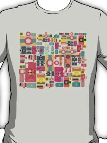 VIntage camera pattern wallpaper design T-Shirt