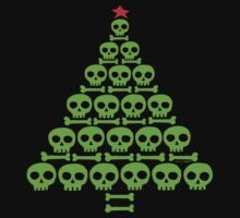 Green Skull and Bones Christmas Tree  T-Shirt